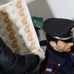In cantina 23 mln euro falsi, arrestati padre e figlio