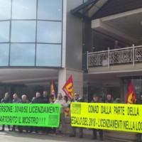 Presidio a Trentola Ducenta dopo il licenziamento senza preavviso di 15 dipendenti CONAD
