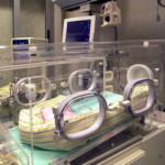 Ritrovata una neonata tra i bidoni dell'immondizia