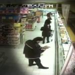 """Arrestati vigili urbani con il """"vizietto"""" di rubare pane, formaggio e salame"""