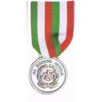 Medaglia d'argento al merito civile a 4 comuni del casertano