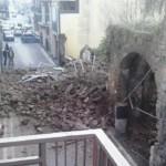 Crolla all'improvviso un palazzo antico a Marcianise